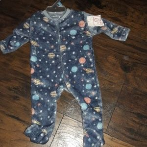 Baby boy sz 0-3 mths soft space jammies NWT